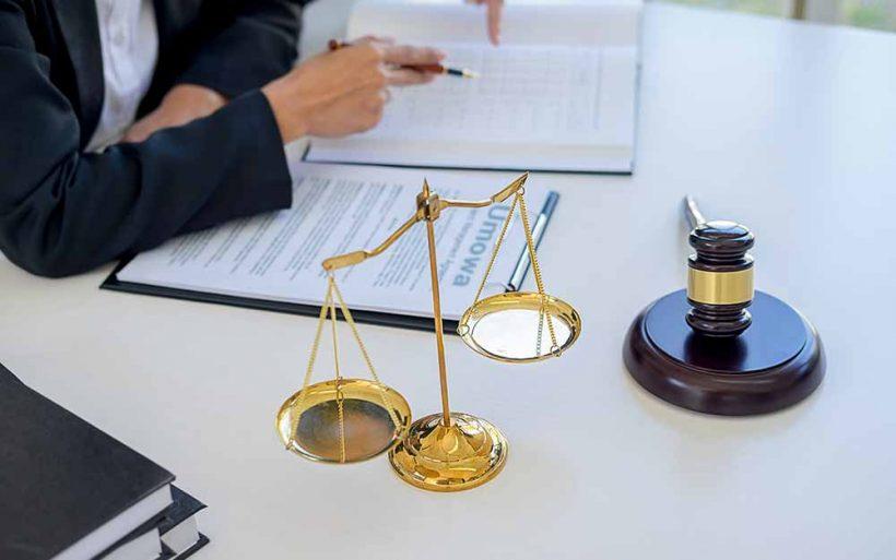 Prawnik o przepisach