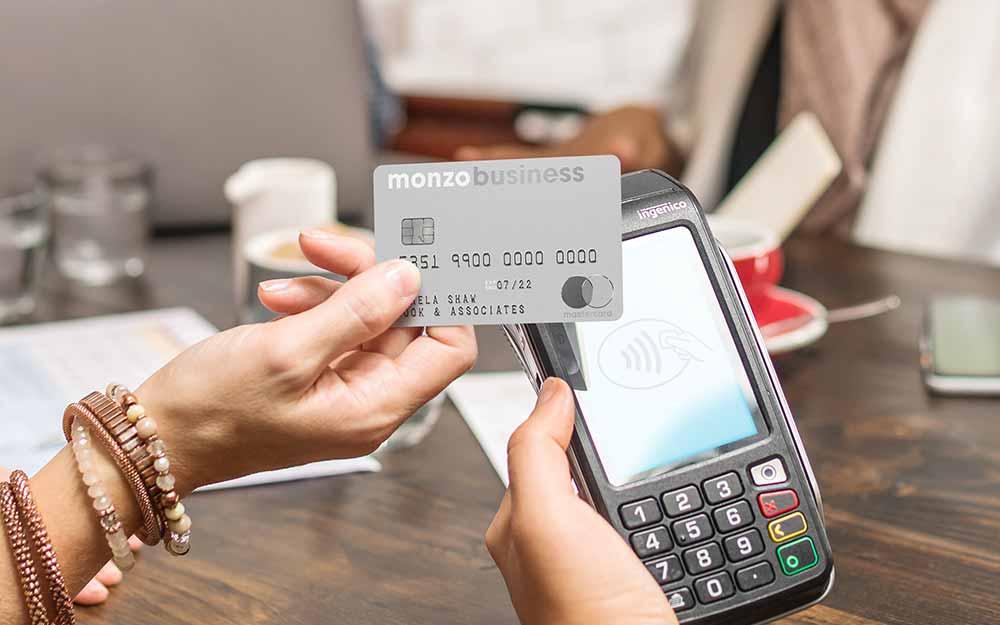 Konto dla firmy w Monzo z kartą debetową