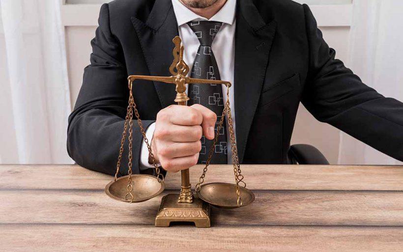Prawo wymaga pewnehj ręki