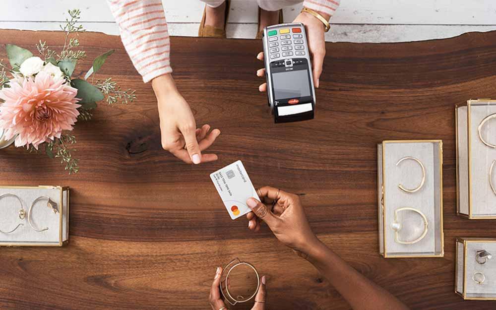 Potentaci, w tym Mastercard chcą mieć swoje miejsce w BNPL (KTZP)